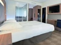 AN25-2-DN-Novotel_New_Gen_Guest_Room3-1