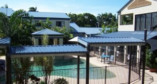 Coral_Cay_Swimming_Pool_East