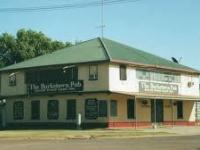 Photo of Fire Destroys FNQ Pub, Damages Victorian Motel