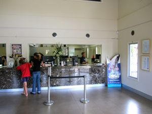 AN38-3-mgt-Holidayparks-Reception-area-Main