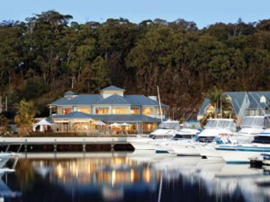 Photo of Port Stephens Hotel up for Sale