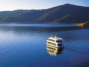 Photo of Lake Eildon Houseboat Licences Boosted