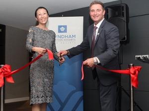 AN70-1-DN-Wyndham-Barry Robinson and Min Wang 300x225