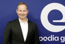 "Photo of Expedia's leaders ousted after ""disappointing"" results"